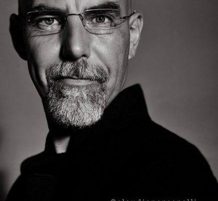 max-tomasinelli-artist-photographer-portrait