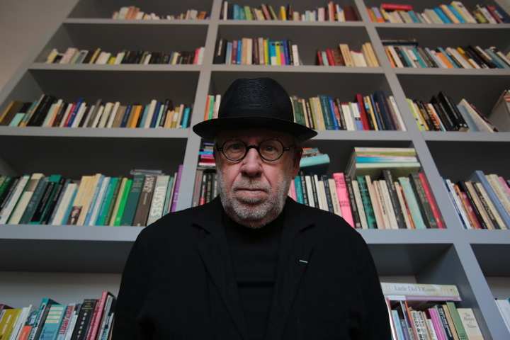 max-tomasinelli-portraits-of-artists-joseph-kosuth